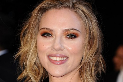 Scarlett-Johansson-orange-eye-shadow-500x333