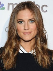 548a164ca3a70_-_rbk-2015-hair-color-trends-allison-williams-s2