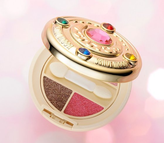 Sailor-Moon-Makeup-Eye-Shadow-Compact (1).jpg