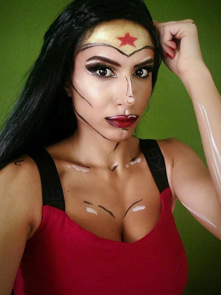 wonderwoman makeup